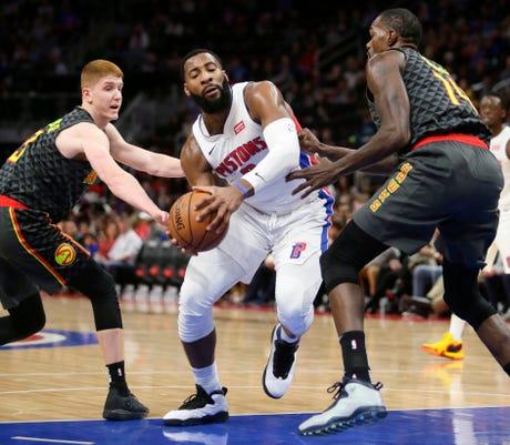 Ap Hawks Pistons Basketball 1