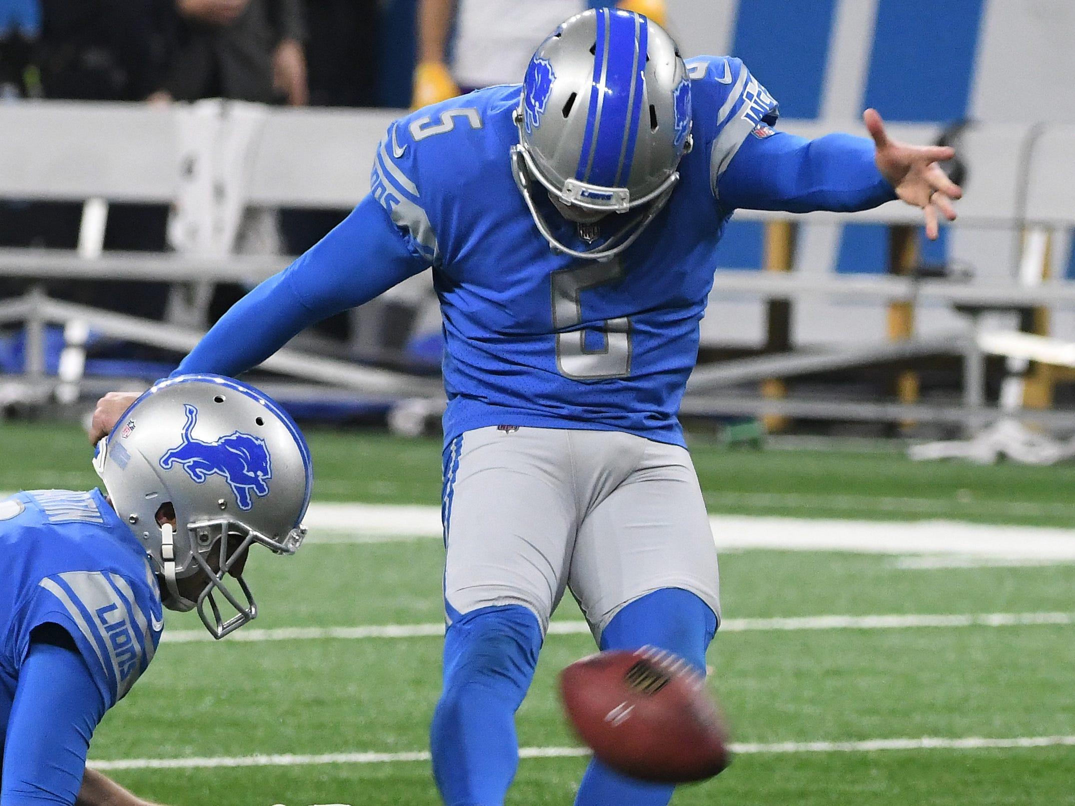Lions kicker Matt Prater kicks a field goal, one of three successful field goal attempts, in the second quarter.