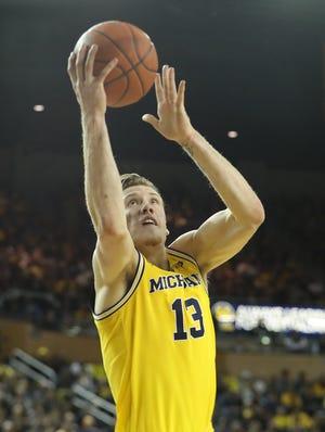 Ignas Brazdeikis scored 19 in Michigan's 71-50 drubbing of Air Force on Saturday.
