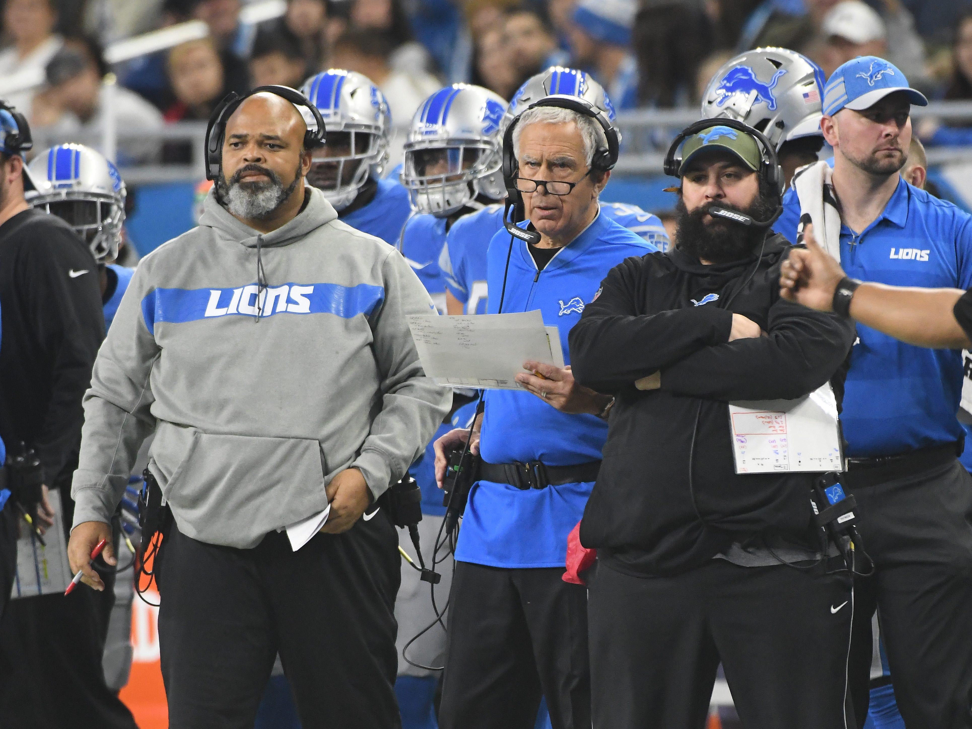 Lions defensive line coach Bo Davis, defensive coordinator Paul Pasqualoni and head coach Matt Patricia on the sidelines in the first quarter.