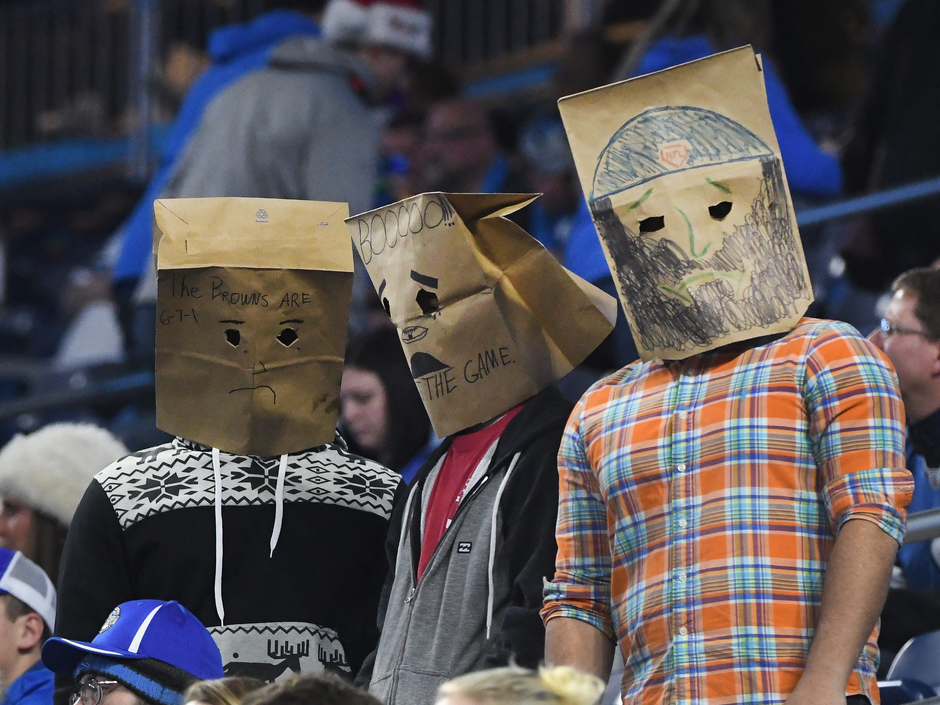 The bag heads return to Ford Field as Detroit drops another game, this one 27-9 to the Vikings, late in the fourth quarter.
