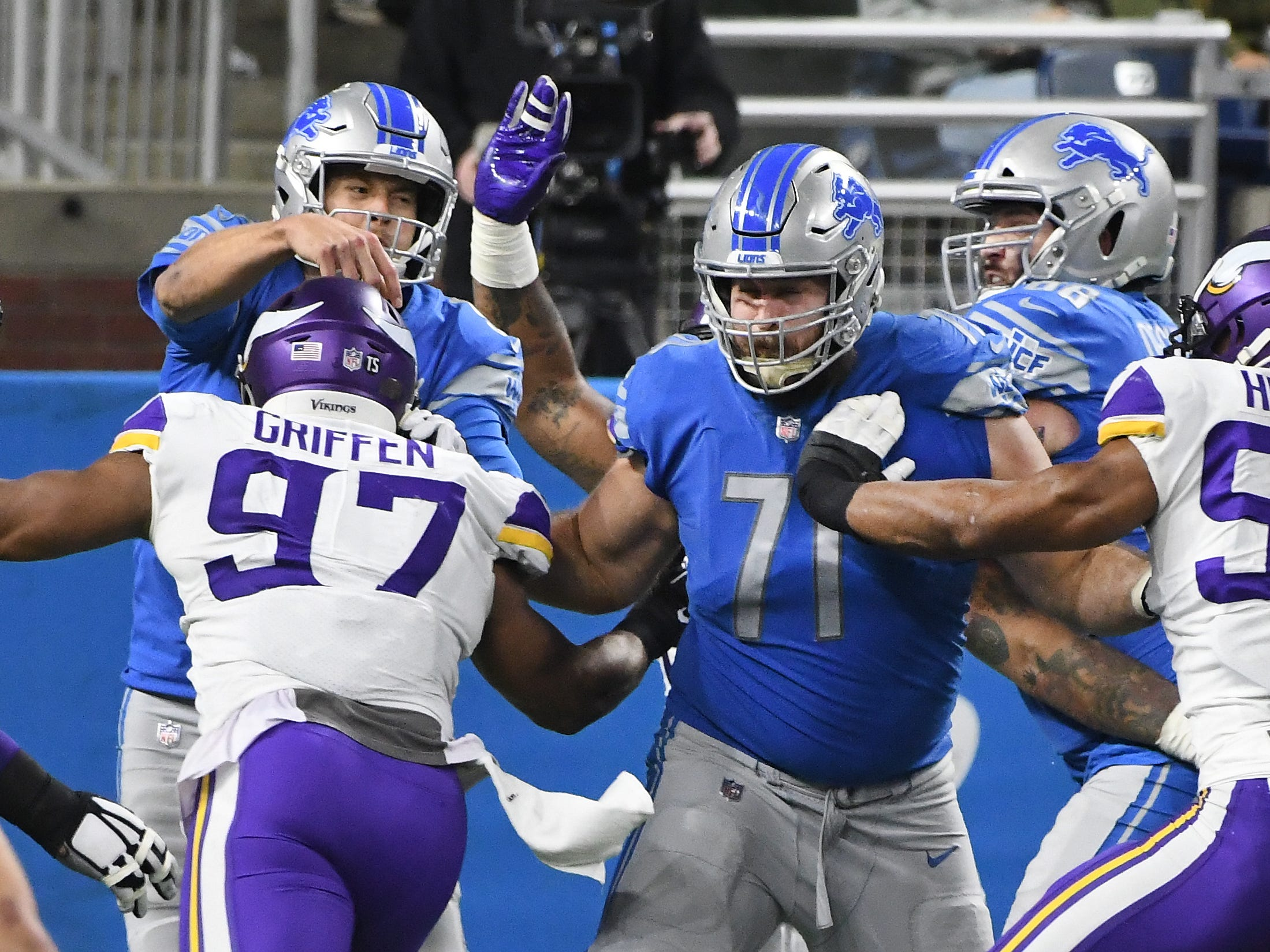Lions offensive lineman Rick Wagner works on protecting quarterback Matthew Stafford after showing in the third quarter.