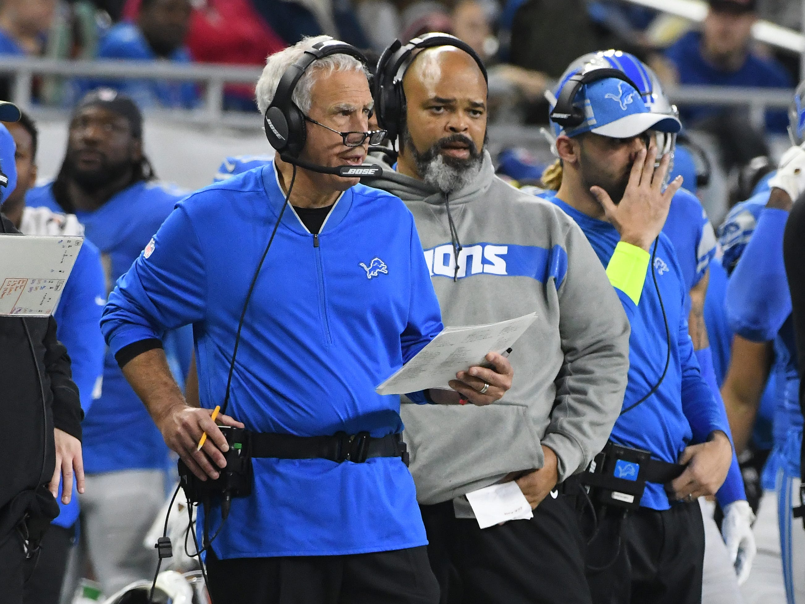 Lions defensive coordinator Paul Pasqualoni and defensive line coach Bo Davis on the sidelines in the fourth quarter.