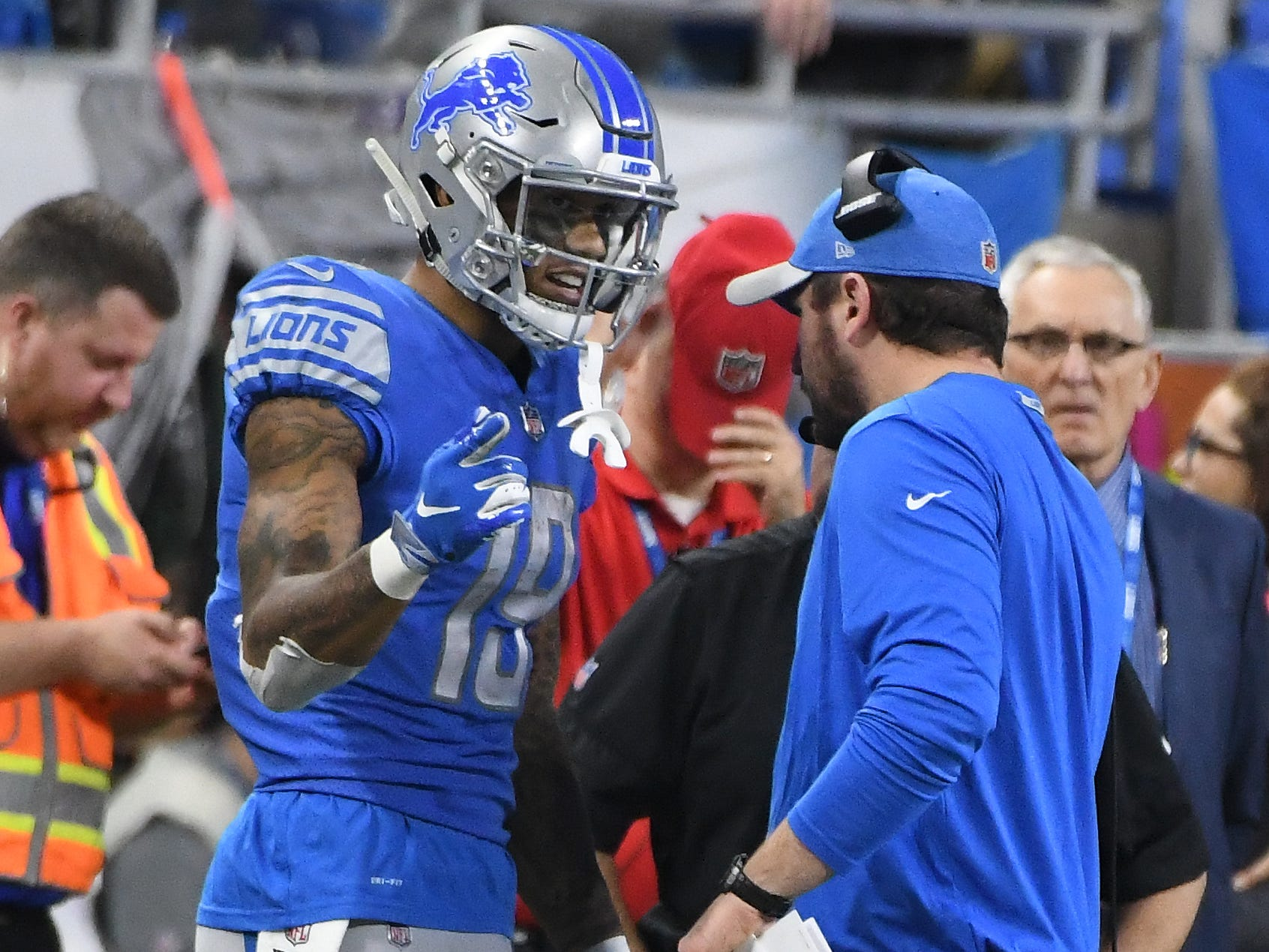 After an incompletion late in the fourth quarter, Detroit wide receiver Kenny Golladay went over and talked with offensive coordinator Jim Bob Cooter late in the fourth quarter.
