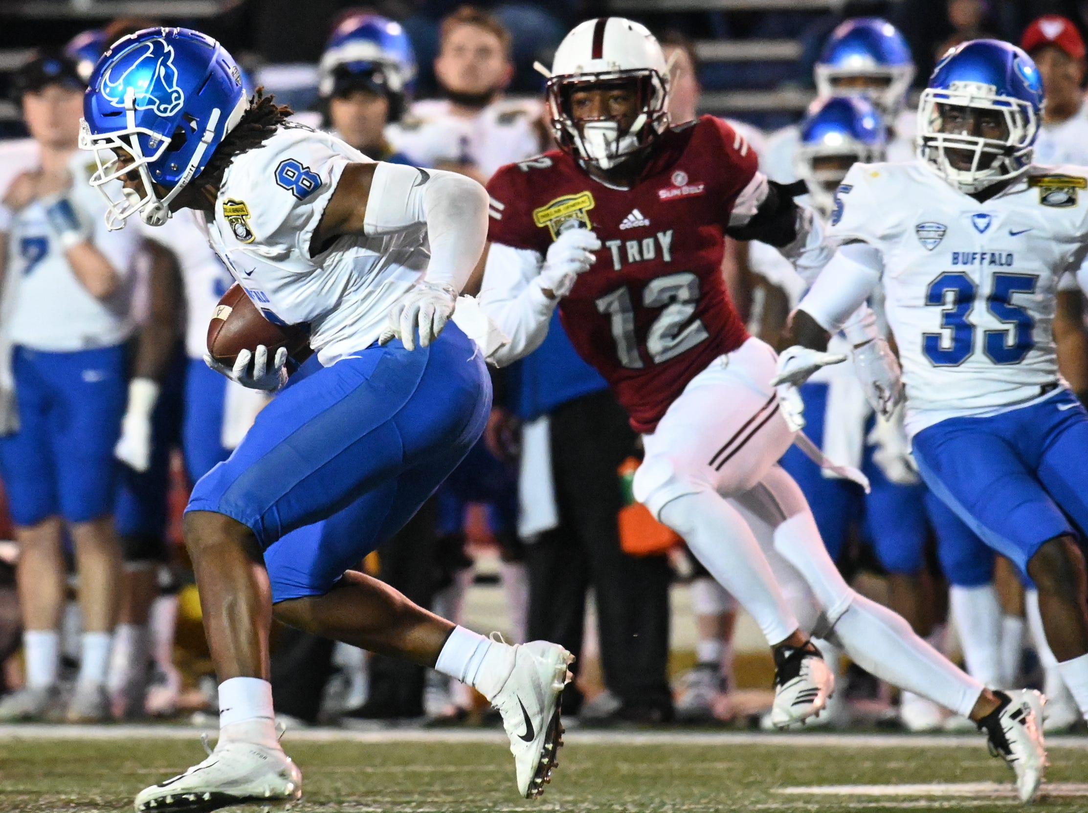 Buffalo Bulls wide receiver K.J. Osborn (8) runs the ball against during the Dollar General Bowl held at Ladd-Peebles Stadium in Mobile on Saturday, Dec. 22, 2018.
