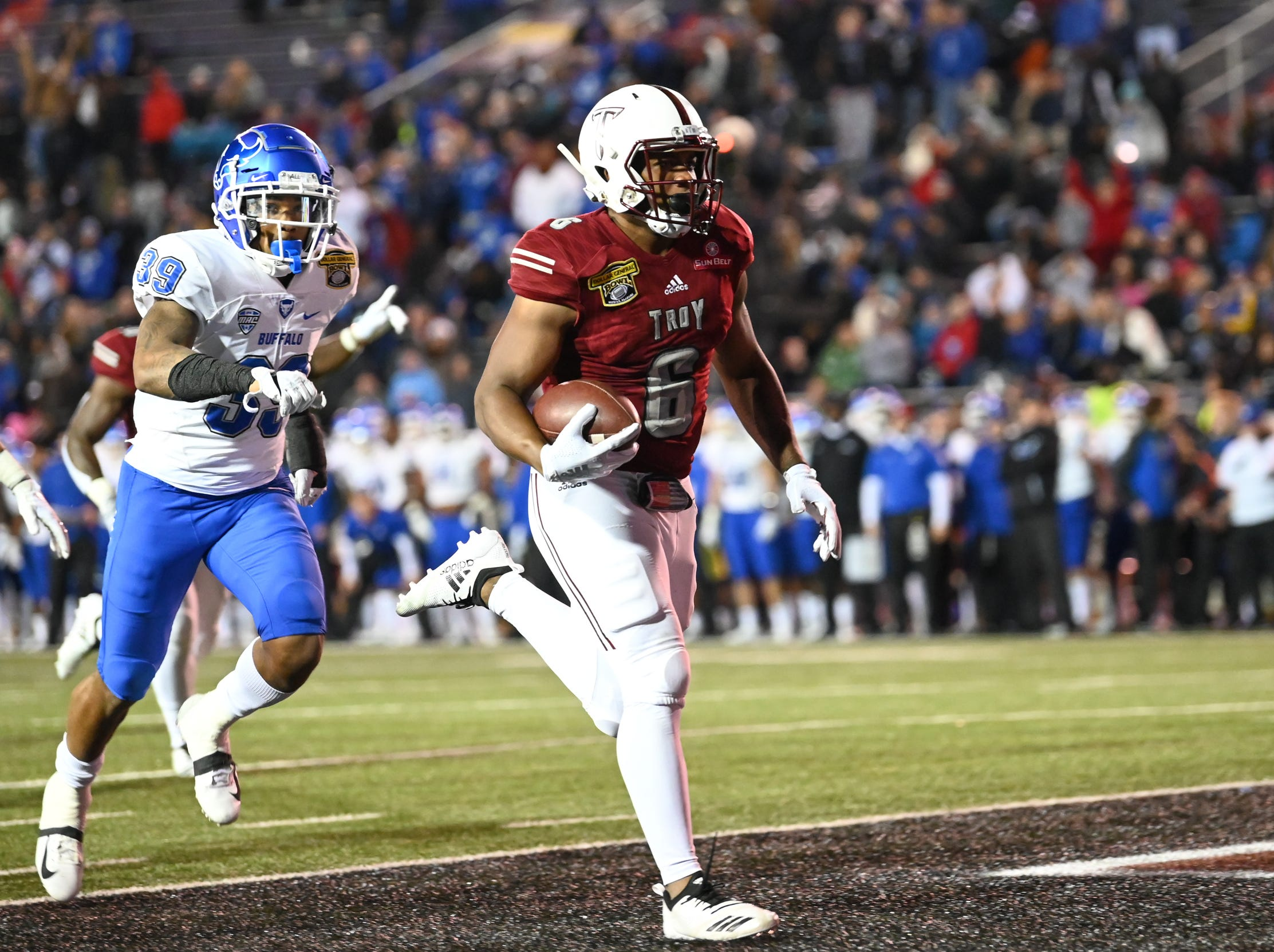 Troy Trojans wide receiver Sidney Davis (6) runs into the end zone for a touchdown during the second half of the Dollar General Bowl held at Ladd-Peebles Stadium in Mobile on Saturday, Dec. 22, 2018.