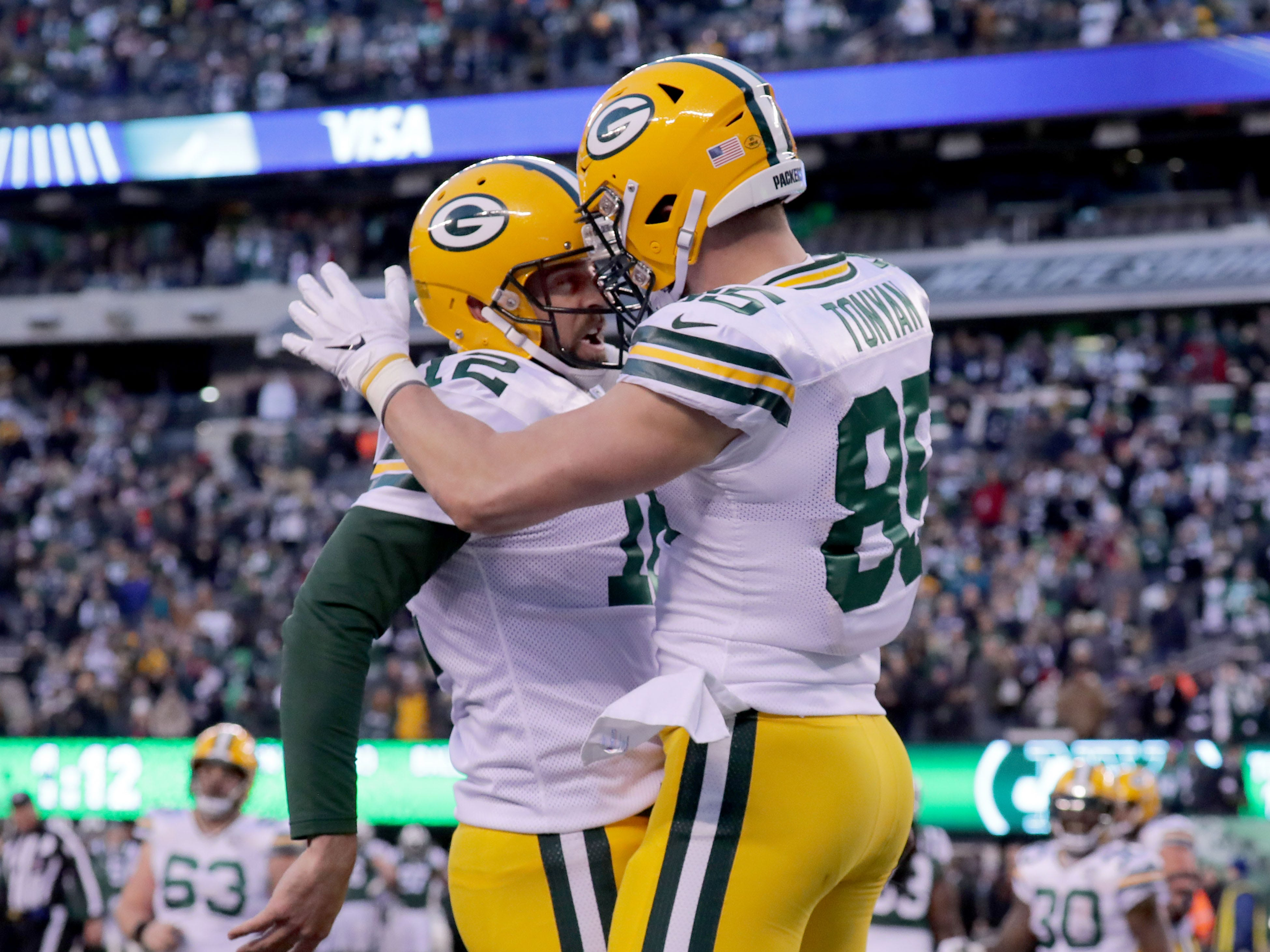Green Bay Packers' Aaron Rodgers celebrates a 2-point conversion during the 2nd half of Packers 44-38 overtime win against the New York Jets at MetLife Stadium Sunday, Dec. 23, 2018, in East Rutherford.