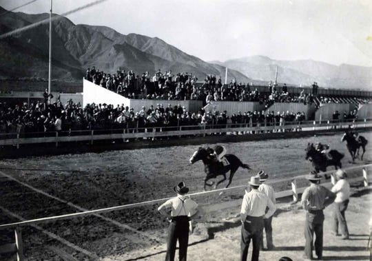 Thanksgiving Day horse races at the Field Club 1938.