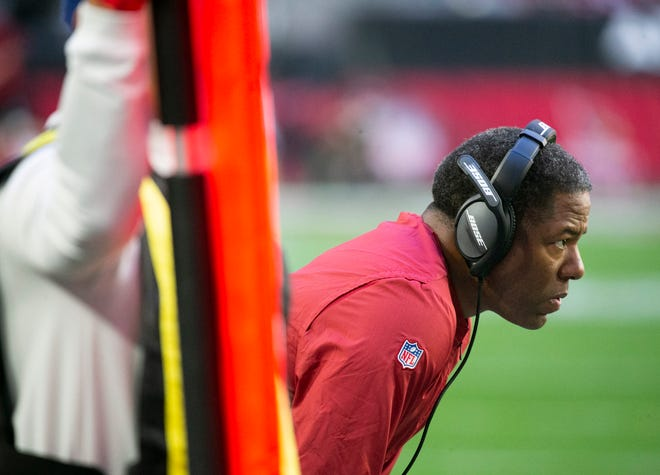 Cardinals head coach Steve Wilks looks on during the first quarter of the NFL game against the Rams at State Farm Stadium in Glendale on Sunday, December 23, 2018.