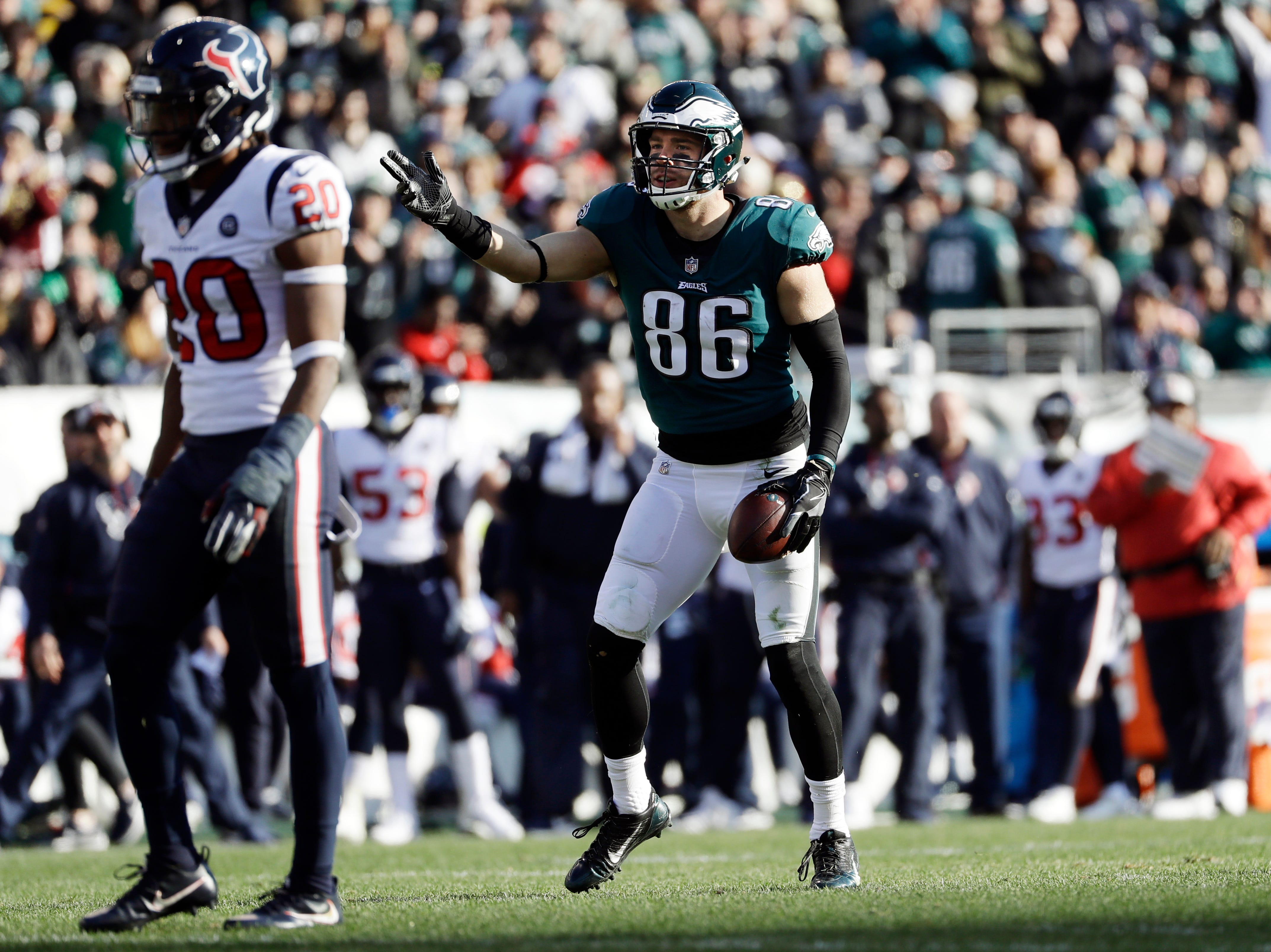 Philadelphia Eagles' Zach Ertz reacts after catching a pass during the first half of an NFL football game against the Houston Texans, Sunday, Dec. 23, 2018, in Philadelphia. (AP Photo/Michael Perez)