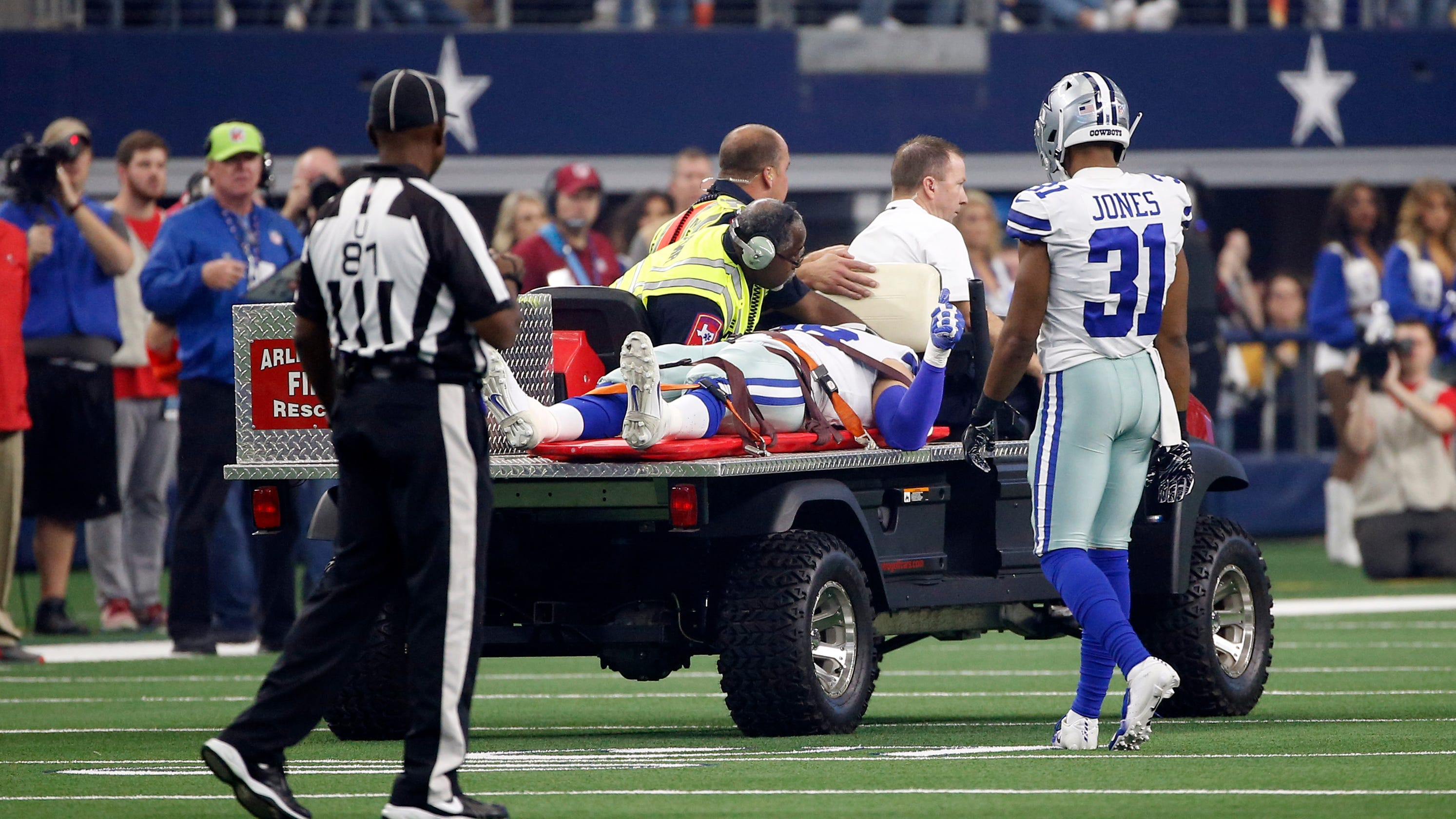7916dfc27ab Dallas Cowboys: Tyrone Crawford carted off field, taken to hospital
