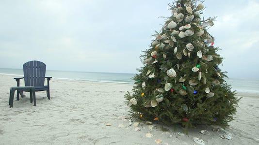 Christmastreenormandybeach1