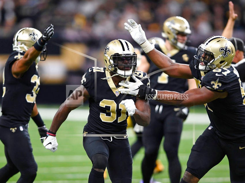 Saints agree to 3-year contract extension with safety Chris Banjo