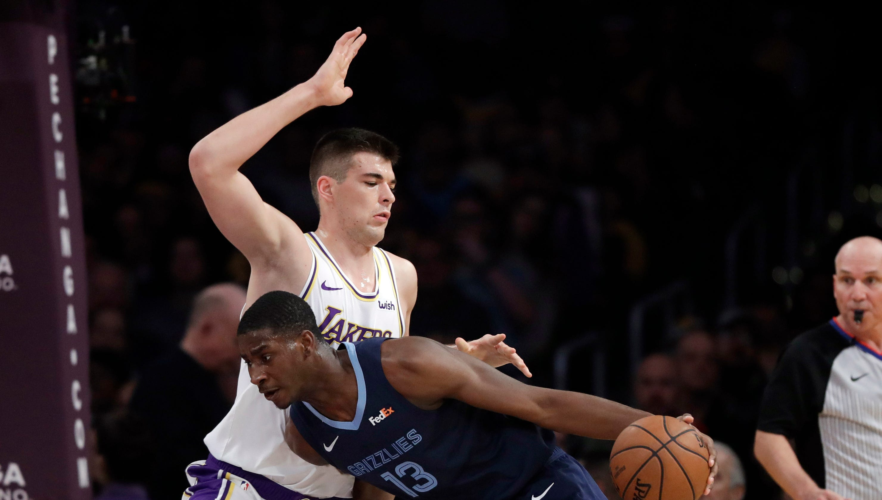 Memphis Grizzlies Snap Losing Streak With 107 99 Win Over Los Angeles Lakers