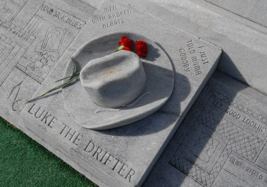 Guests will visit Hank Williams' grave at Oakwood Cemetery Annex in Montgomery on New Year's Eve and New Year's Day.
