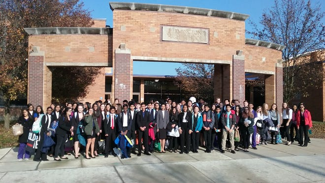 Farmington HOSA high school students getting ready for the conference.