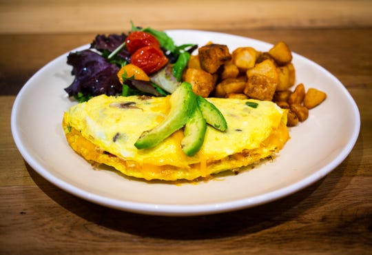 Jojo Coffeehouse in Old Town Scottsdale serves breakfast and lunch including sandwiches, omelets, bruschetta and salads.