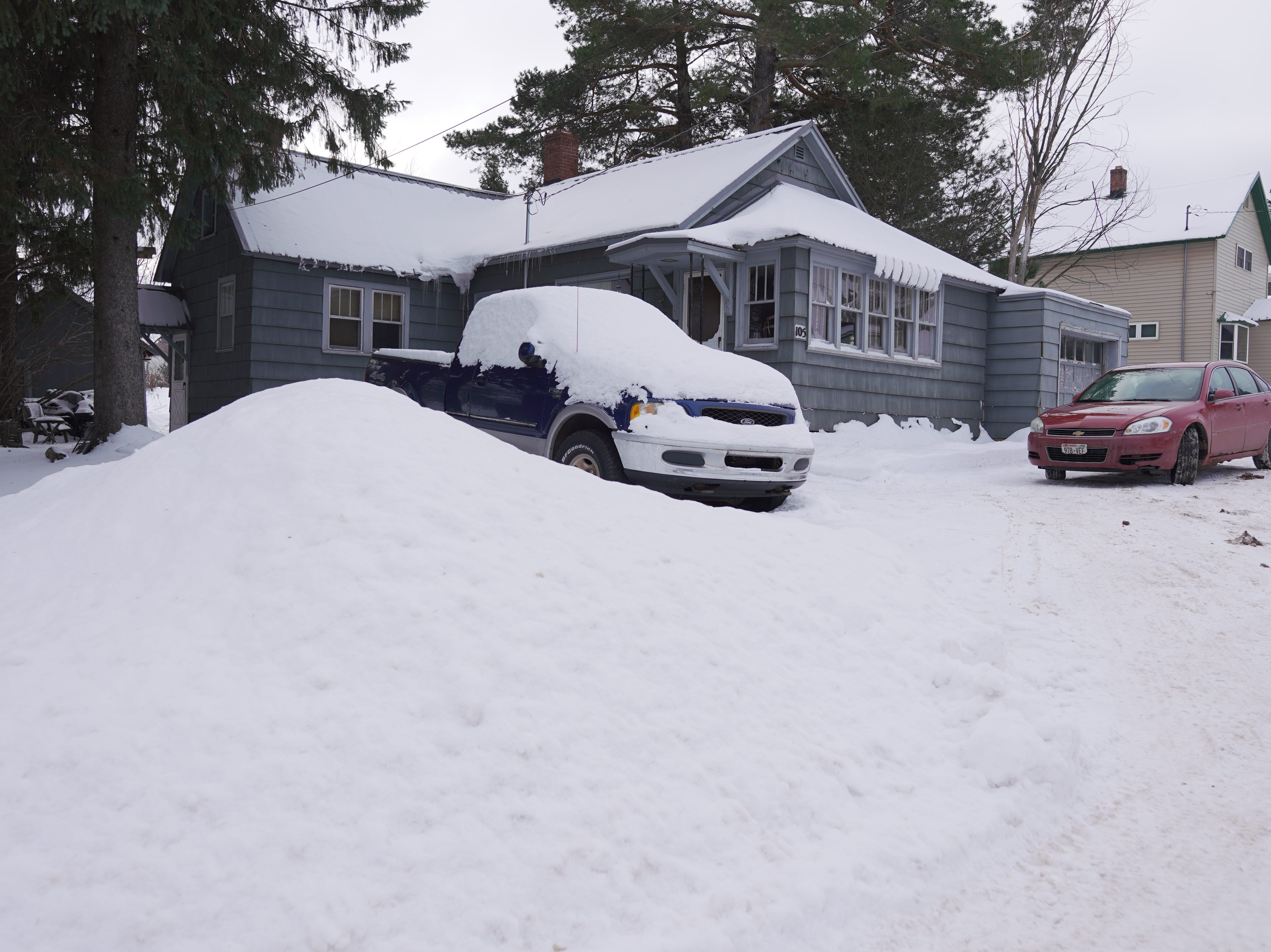 By mid-December, the northeastern Wisconsin town of Hurley had received over 40 inches of snow, while most of Wisconsin had none or a trace on the ground.