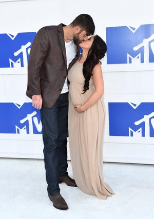 NEW YORK, NY - AUGUST 28:  David Eason and Jenelle Evans attend the 2016 MTV Video Music Awards at Madison Square Garden on August 28, 2016 in New York City.  (Photo by Jamie McCarthy/Getty Images) ORG XMIT: 659513129 ORIG FILE ID: 597192216