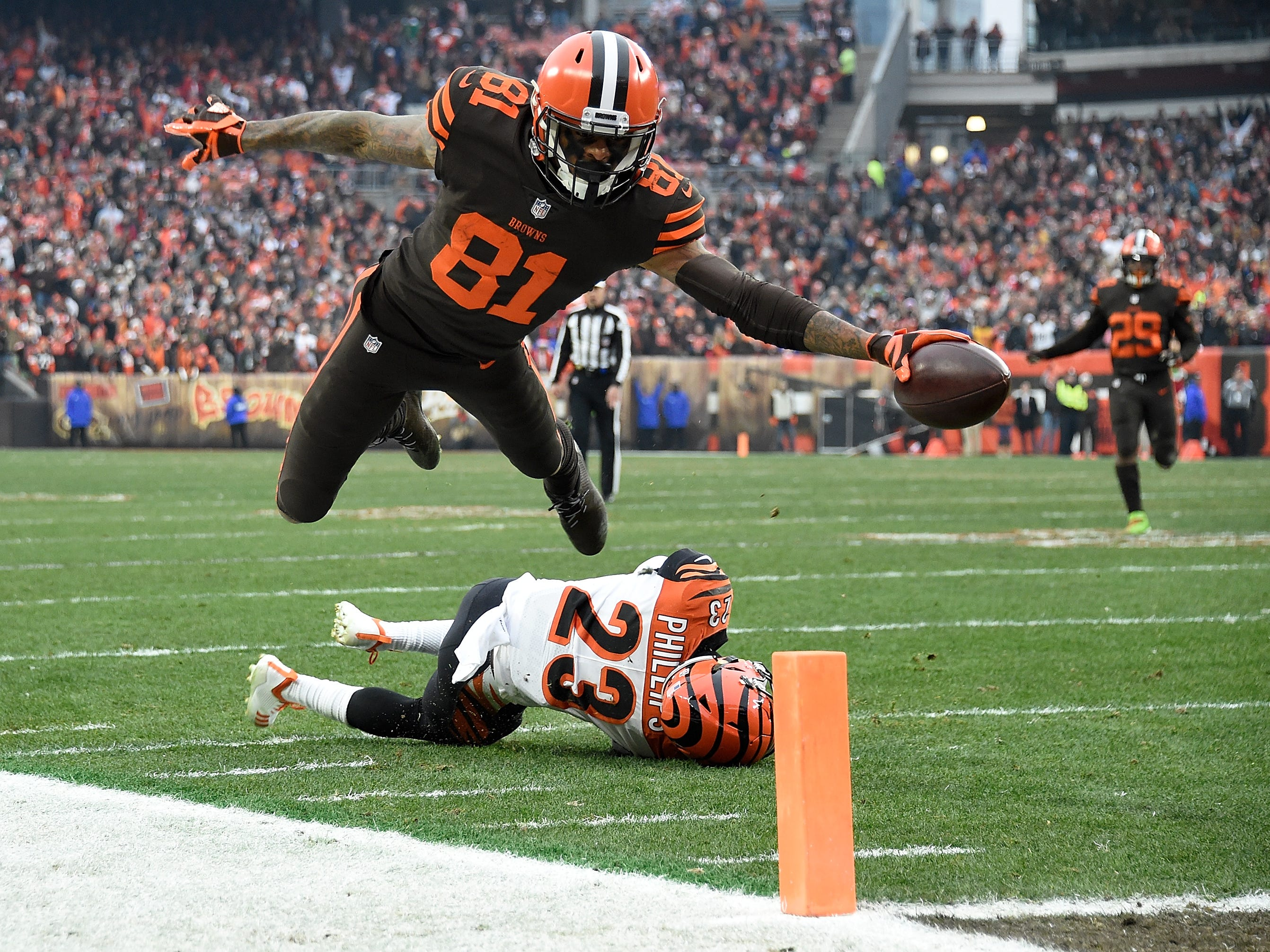 Week 16: Cleveland Browns WR Rashard Higgins dives for a touchdown against the Cincinnati Bengals at FirstEnergy Stadium. The Browns won the game, 26-18.