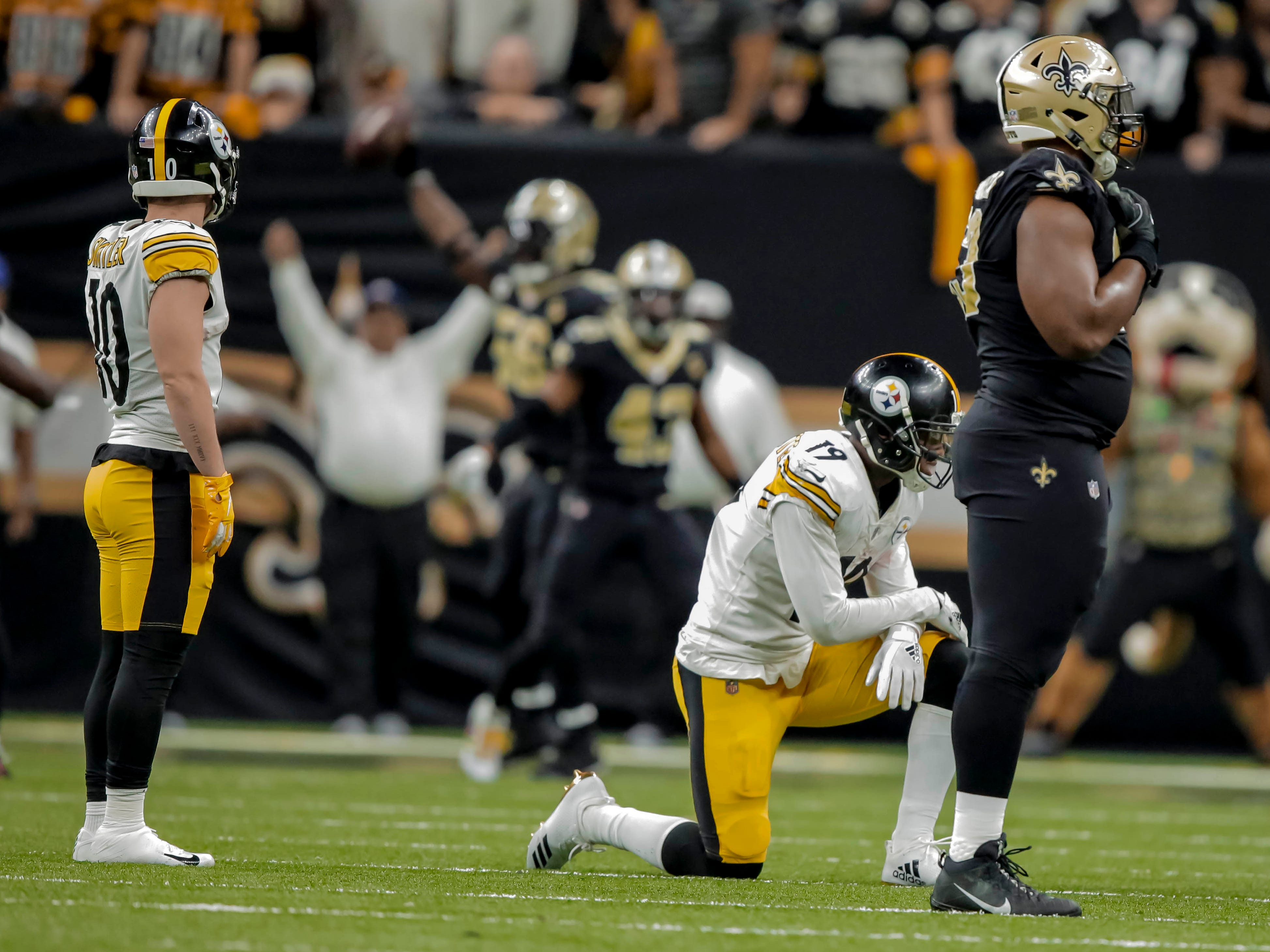 Week 16: Pittsburgh Steelers wide receiver JuJu Smith-Schuster (19) reacts after fumbling late in a 31-28 loss to the New Orleans Saints at the Mercedes-Benz Superdome.