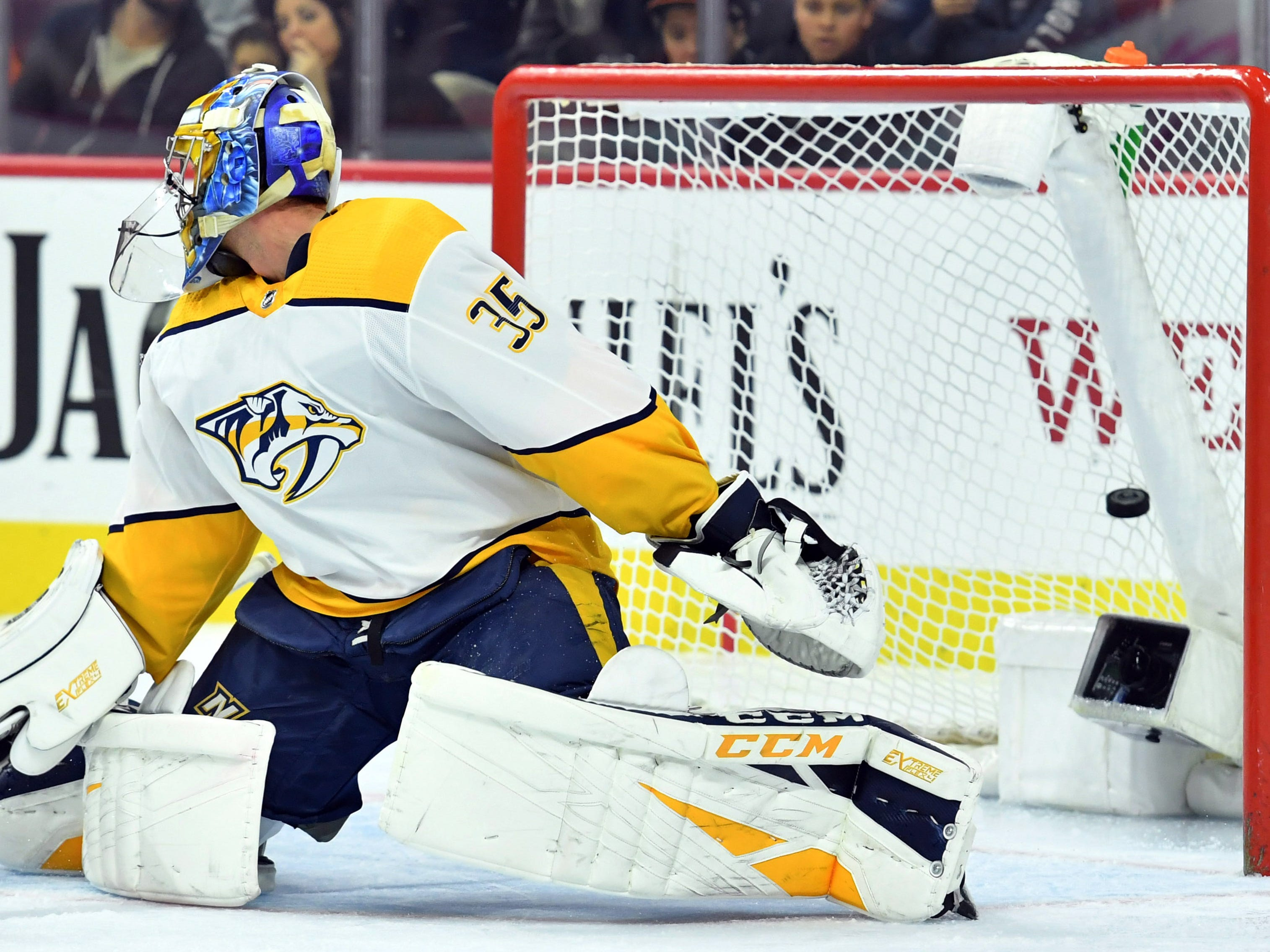 Nashville Predators goaltender Pekka Rinne (35) can't stop a goal by Philadelphia Flyers center Claude Giroux (28) (not pictured) during the second period at Wells Fargo Center.