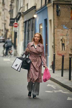 """A James Bond-like psychopathic assassin, Villanelle (Jodi Comer), and her MI5/MI6 antagonist Eve Polastri (Sandra Oh) - no relation to Sparky, make up """"Killing Eve"""" - one of 2018's most thrilling, scary and funny shows."""