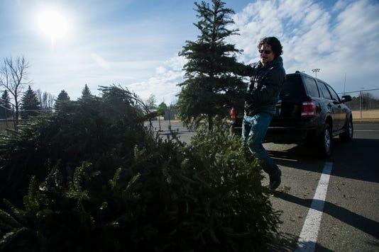 Ftc1226 Christmastreerecycling