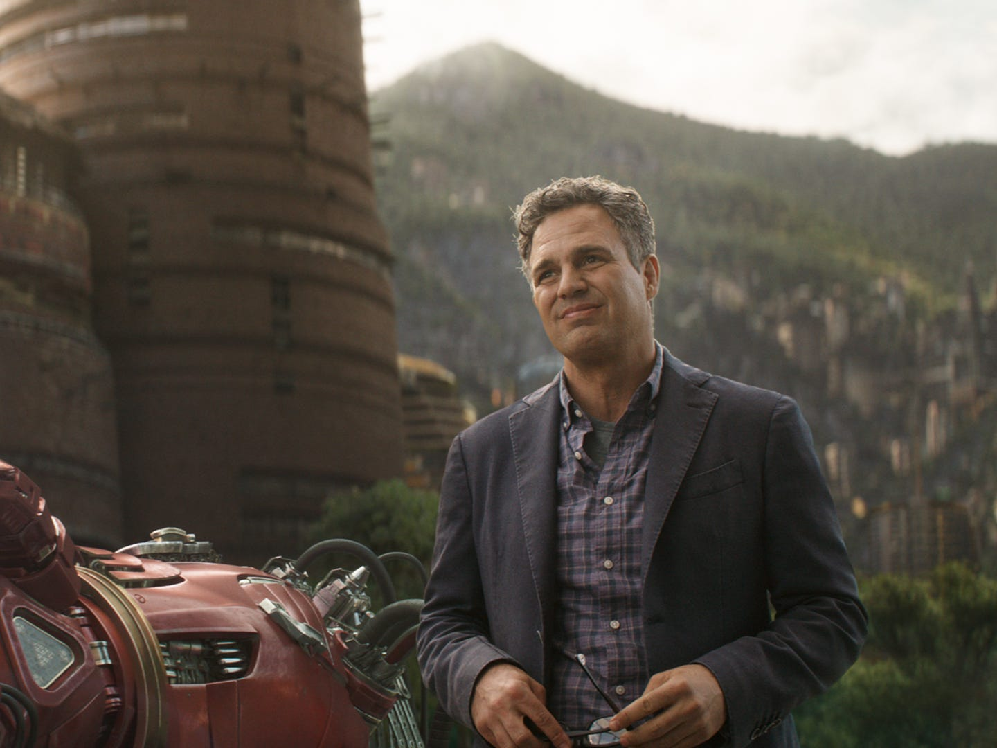 "Bruce Banner (Mark Ruffalo) comes to Wakanda, with or without the Hulk in""Avengers: Infinity War."""