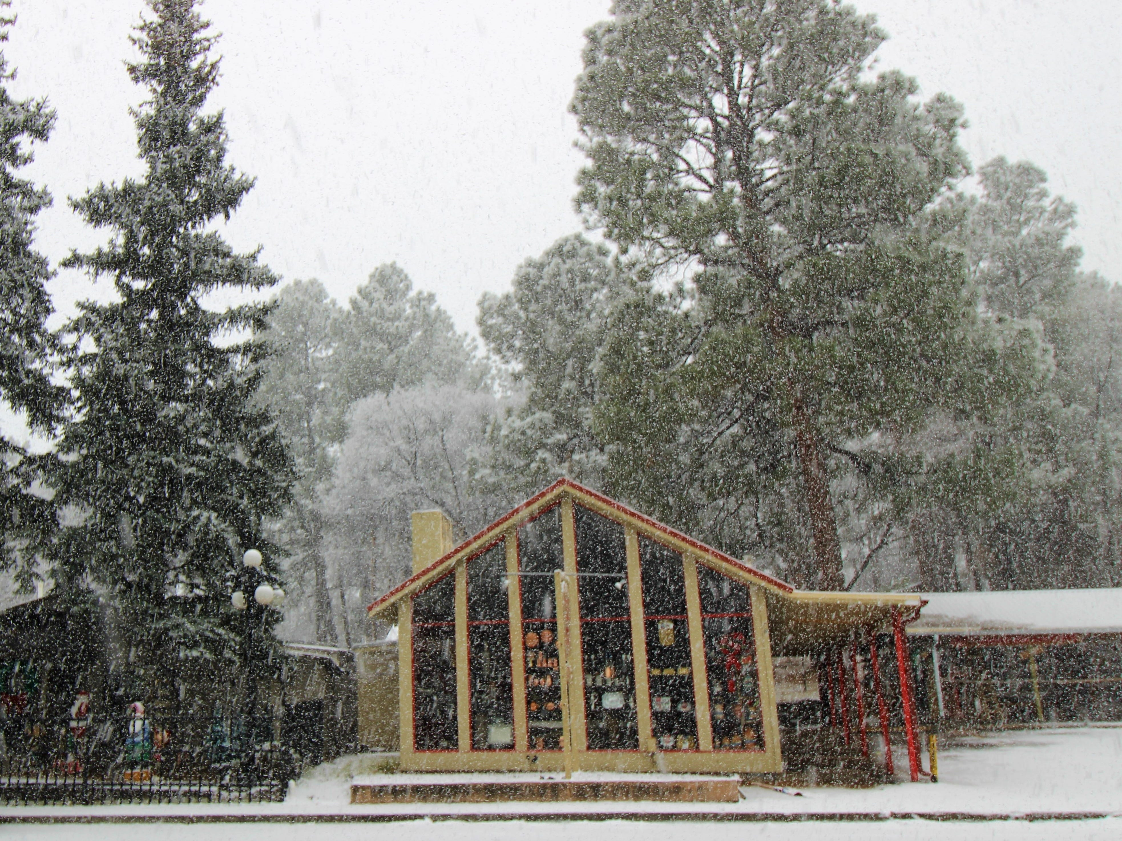 Midtown Ruidoso welcomed snowfall on Wednesday morning. The shops and Christmas decorations covered in snow added that special holiday feels while creating a winter wonderland.