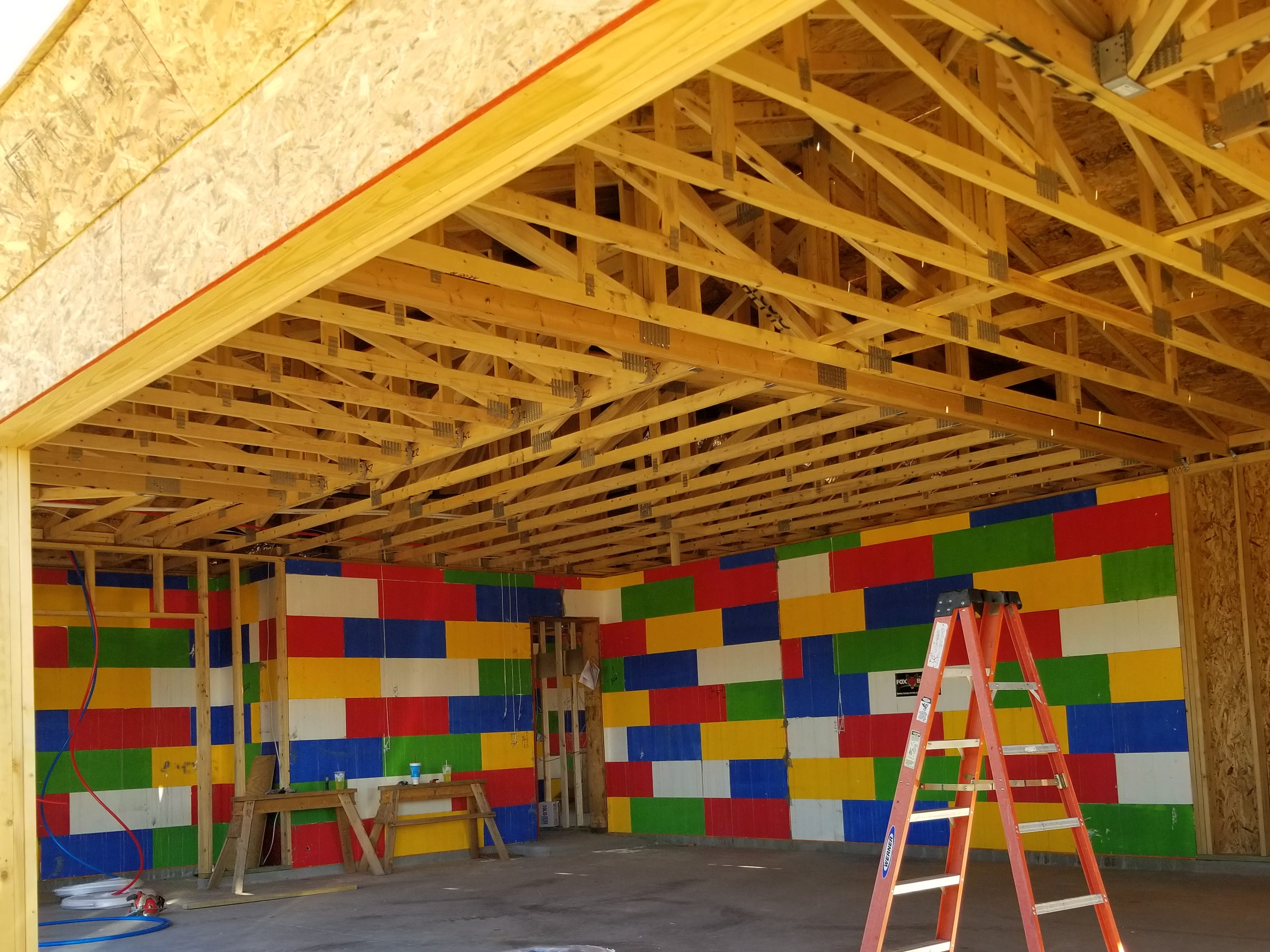 The insulating concrete form frame is present throughout the garage as well as interior sections of the home, providing excellent sound reduction as well as R-40 insulation to the west-facing area.