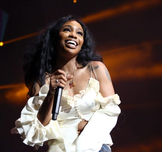 LOS ANGELES, CA - JUNE 22:  SZA performs at 2018 BET Experience Staples Center Concert, sponsored by COCA-COLA, at L.A. Live on June 22, 2018 in Los Angeles, California.  (Photo by Ser Baffo/Getty Images for BET) ORG XMIT: 775180065 ORIG FILE ID: 981687704 ORG XMIT: V2E-1806230435272464 [Via MerlinFTP Drop]