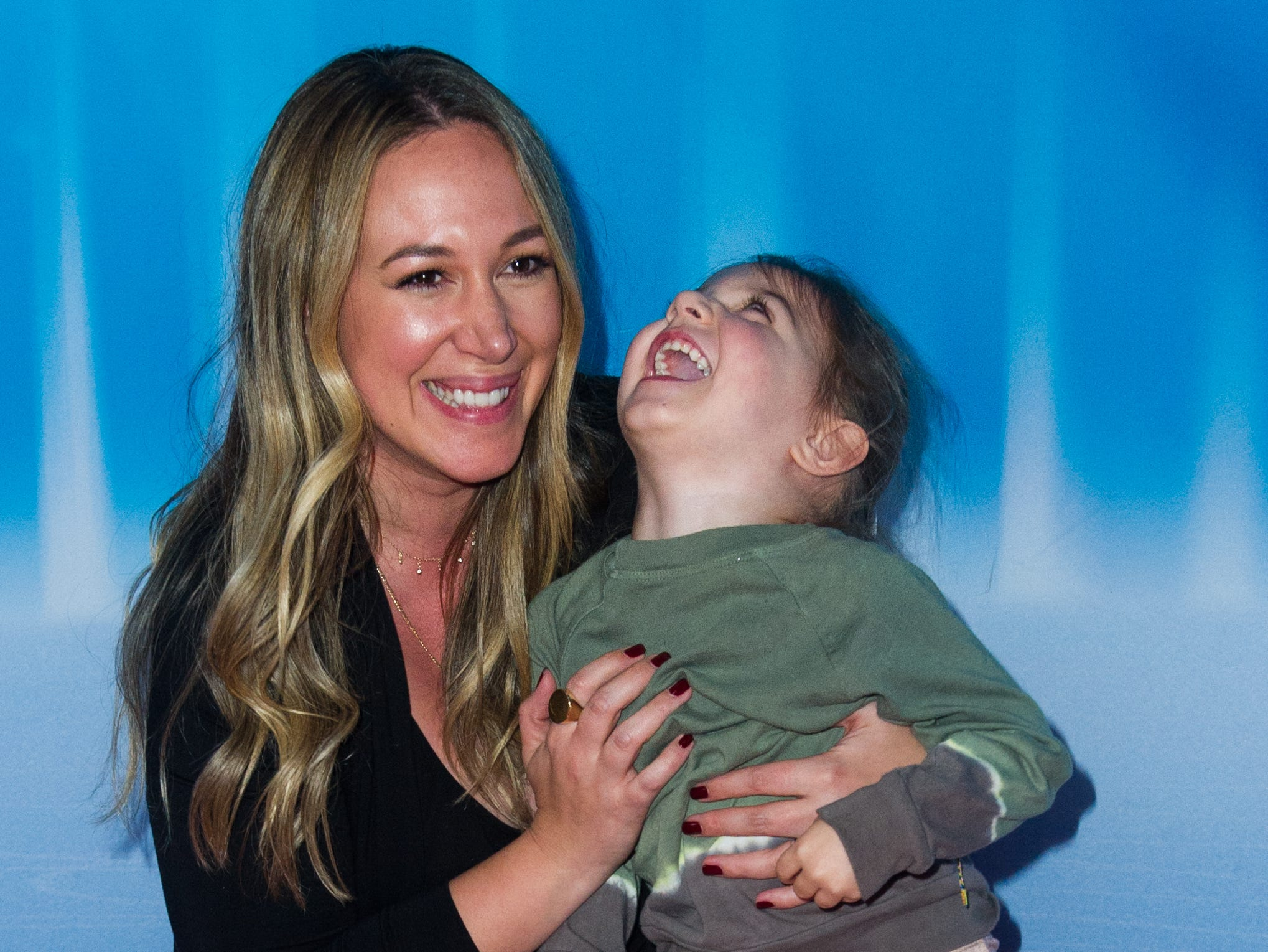 LOS ANGELES, CALIFORNIA - DECEMBER 14: Haylie Duff with daughter Ryan attend Disney On Ice Presents 'Dare To Dream' at Staples Center on December 14, 2018 in Los Angeles, California. (Photo by Rachel Luna/Getty Images) ORG XMIT: 775266660 ORIG FILE ID: 1082700048