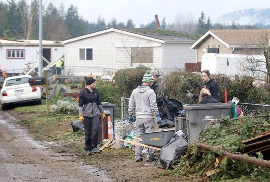 Tornado Volunteers 8