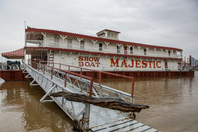 After years of performances on the Ohio River, the Showboat Majestic is up for sale.