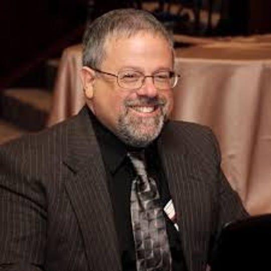 Staff Writer Bob Makin