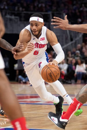 Detroit Pistons guard Bruce Brown (6) dribbles the ball during the third quarter against the Washington Wizards at Little Caesars Arena.