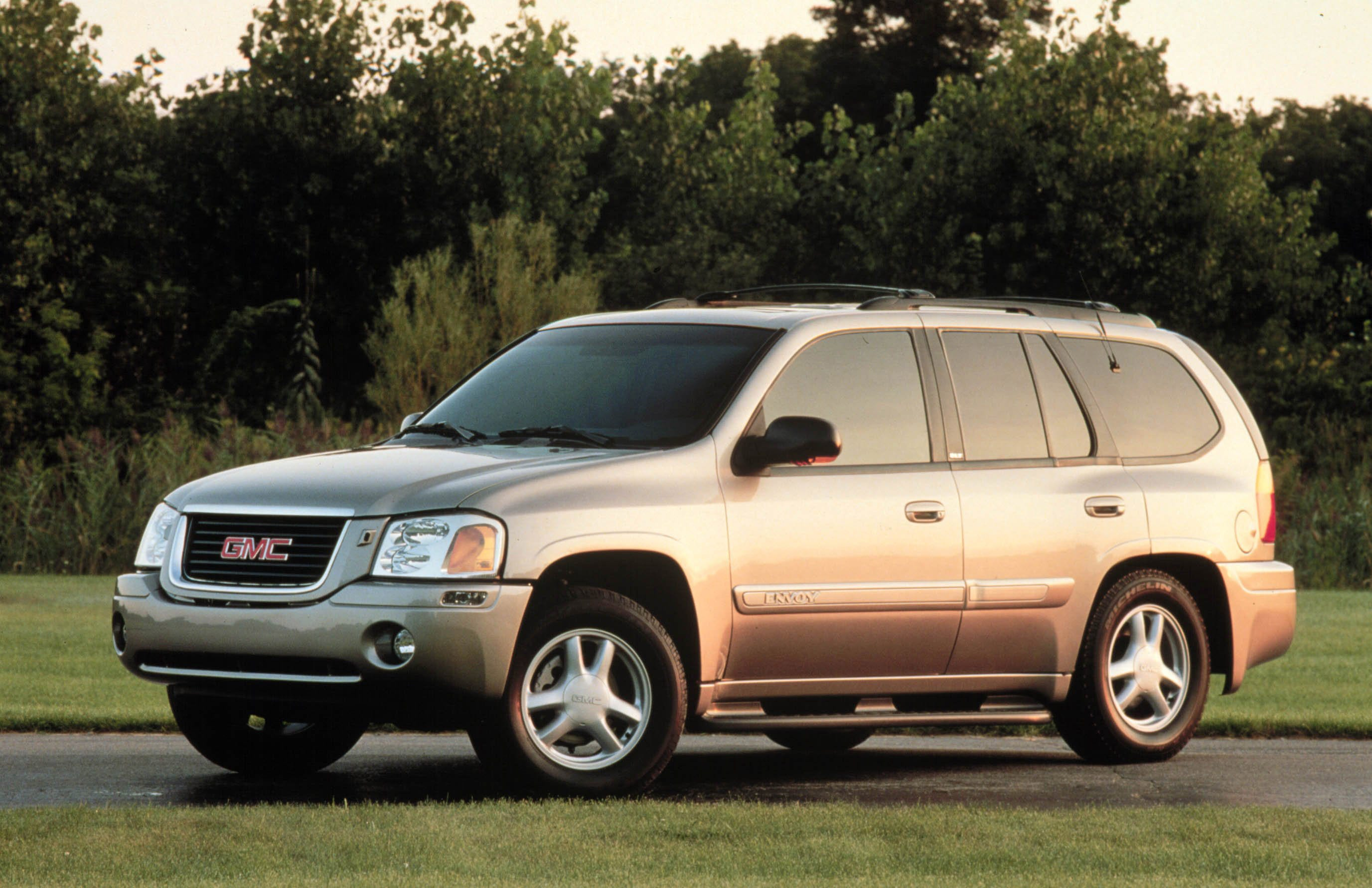 Gmc Envoy Trademark Filing Raises Speculation Suv May Be Brought Back
