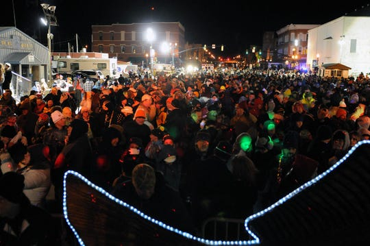 The Walleye Drop event drew about 1,000 people to downtown Port Clinton to ring in 2015. The annual event returns to Port Clinton Monday night, with a full schedule of entertainment and activities for New Year's Eve.