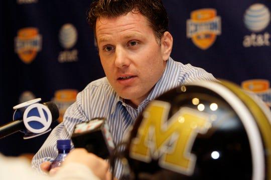 Missouri defensive coordinator Matt Eberflus speaks during a news conference, Saturday, Dec. 29, 2007.