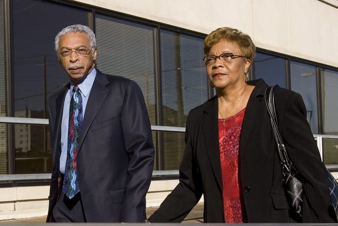 Birmingham Mayor Larry Langford, left, arrives at the federal building with his wife Melva Langford for jury selection in his trial on Monday, Oct 19, 2009, in Tuscaloosa.