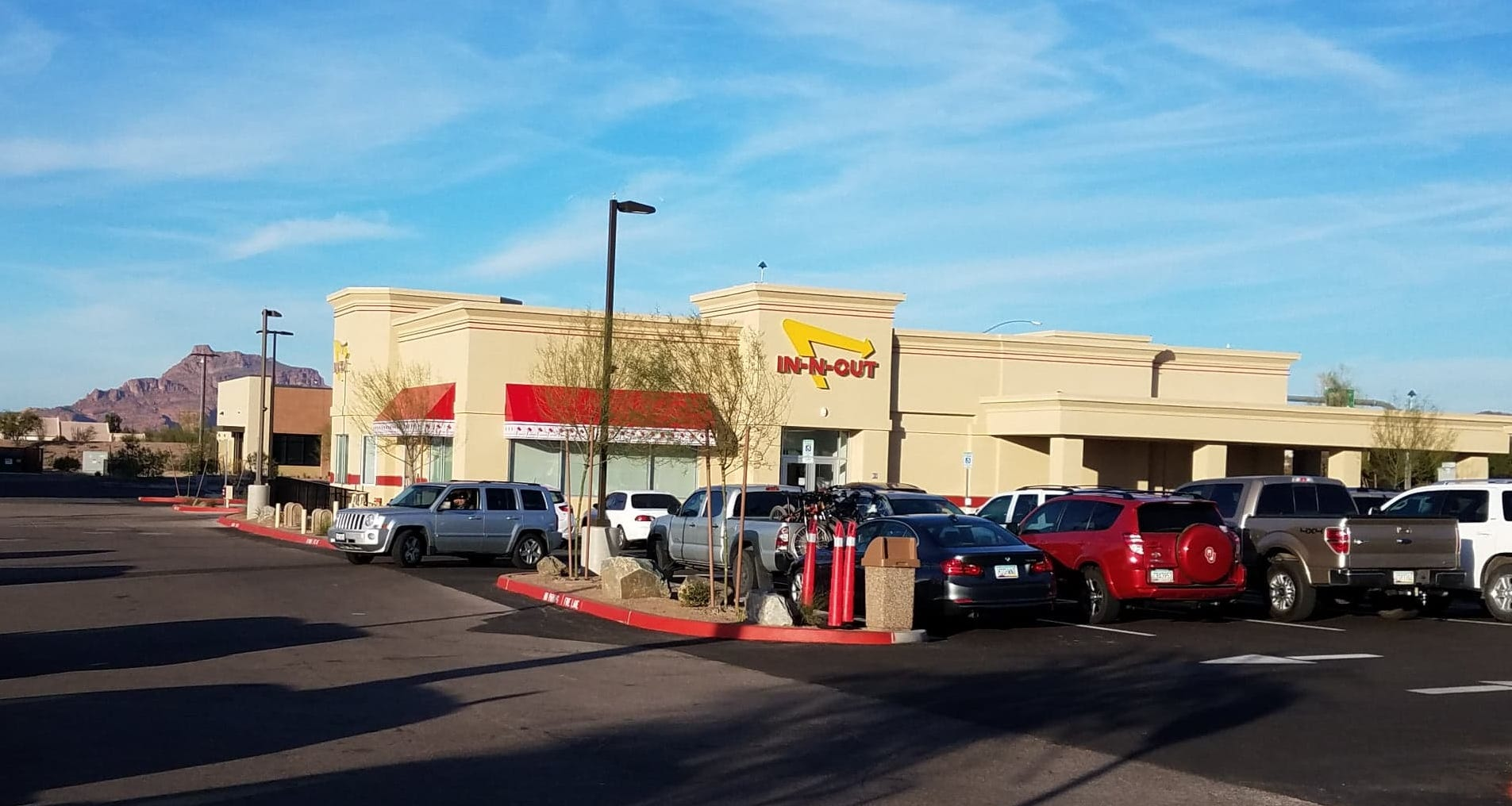 Iconic chain In-N-Out Burger opened a location in Mesa on Recker Road just south of Loop 202 Red Mountain freeway.