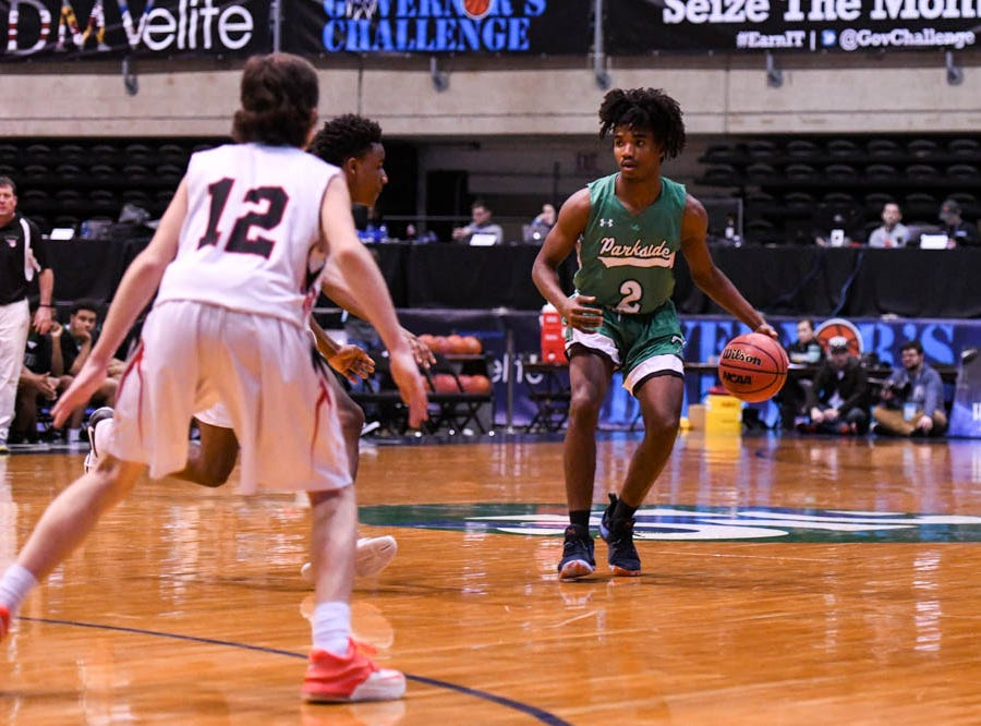Parkside's Tawain Hardy (2) moves the ball against Linganore in the Governor's Challenge basketball tournament at the Civic Center in Salisbury on Thursday, Dec 27, 2018.