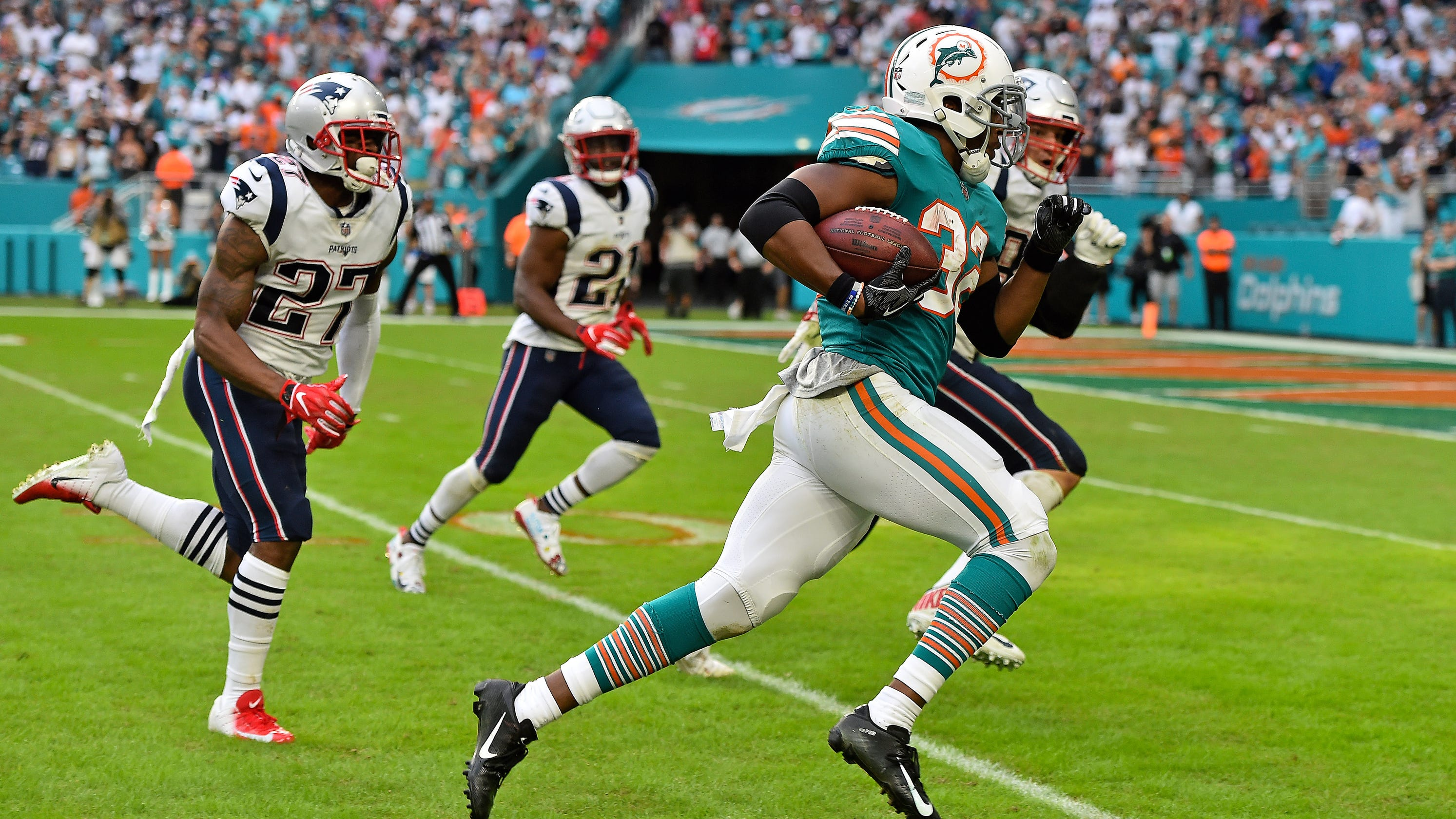 af6d4d01ede From wide receivers throwing TD passes to the Miami Miracle: 2018 NFL  season's best plays