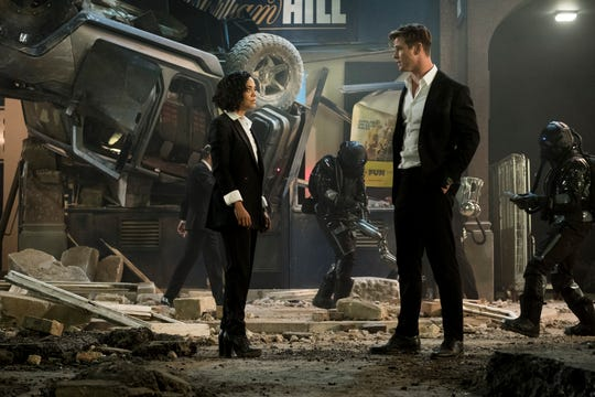 """M (Tessa Thompson) and H (Chris Hemsworth) are part of a new generation of agents protecting the world from alien threats in """"Men in Black: International."""""""