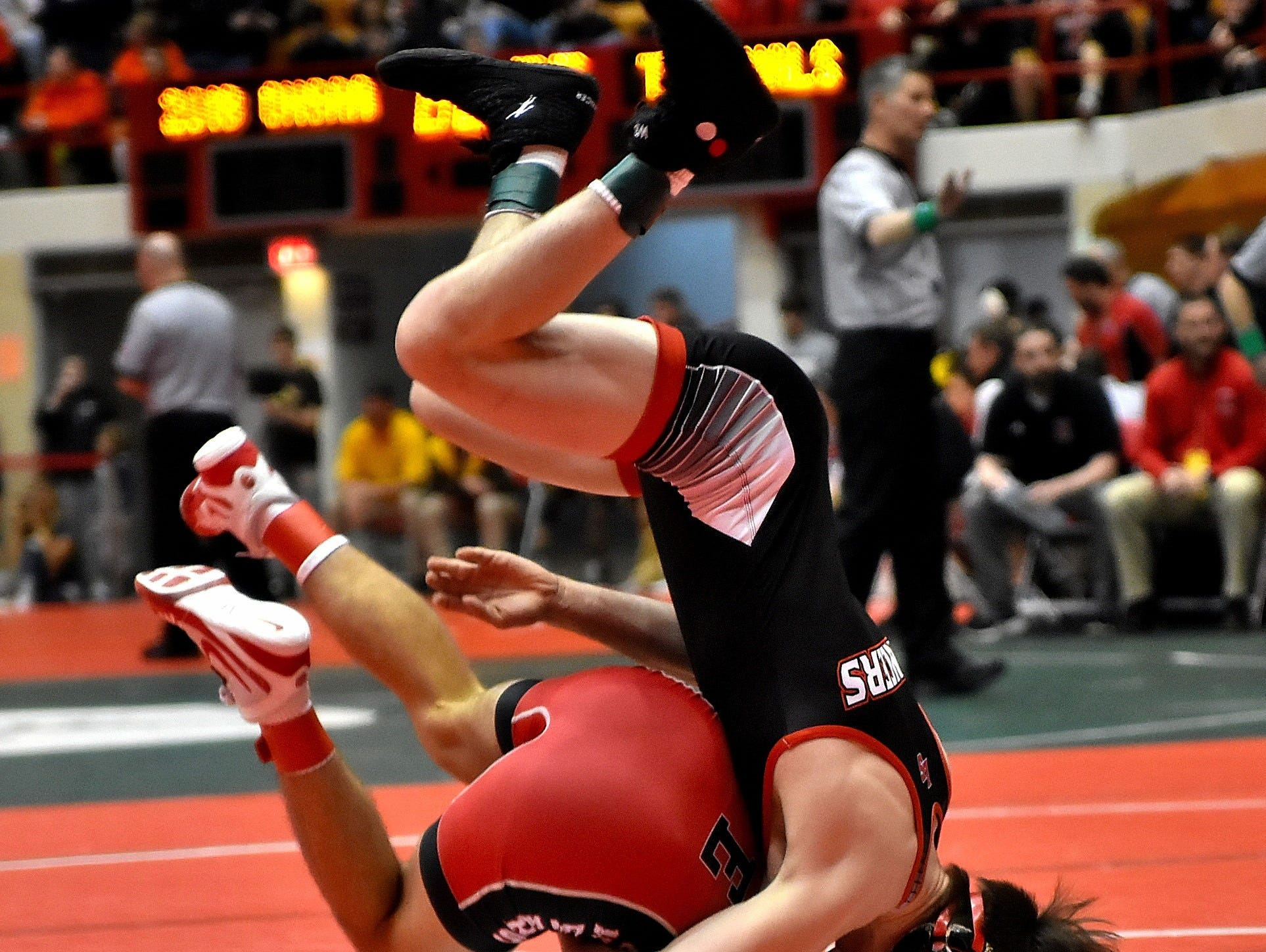Lucas Byrd of La Salle (right) wrestles headstrong to a win in the Division 1 quarter-final at the 2018 OHSAA State Wrestling Duals, Feb. 11, 2018.