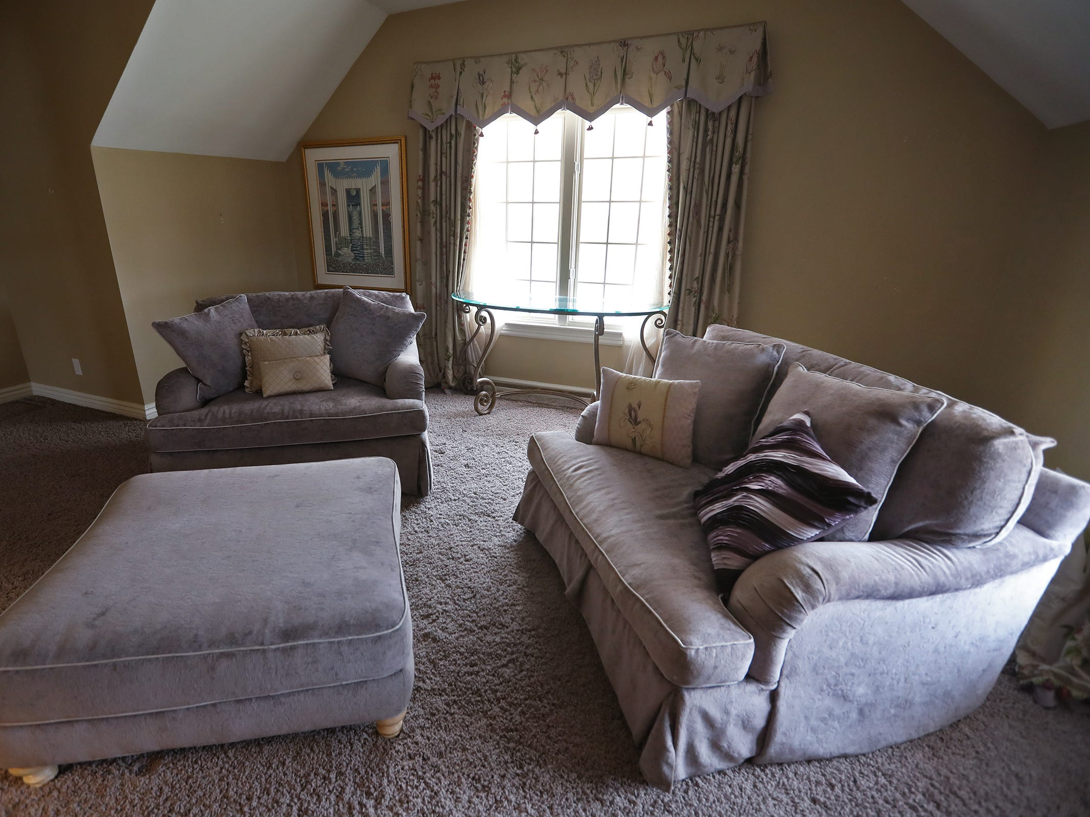 This is a sitting area that can be a bedroom in the home at 1270 Laurelwood Ct. in Carmel, Friday, Dec. 28, 2018.