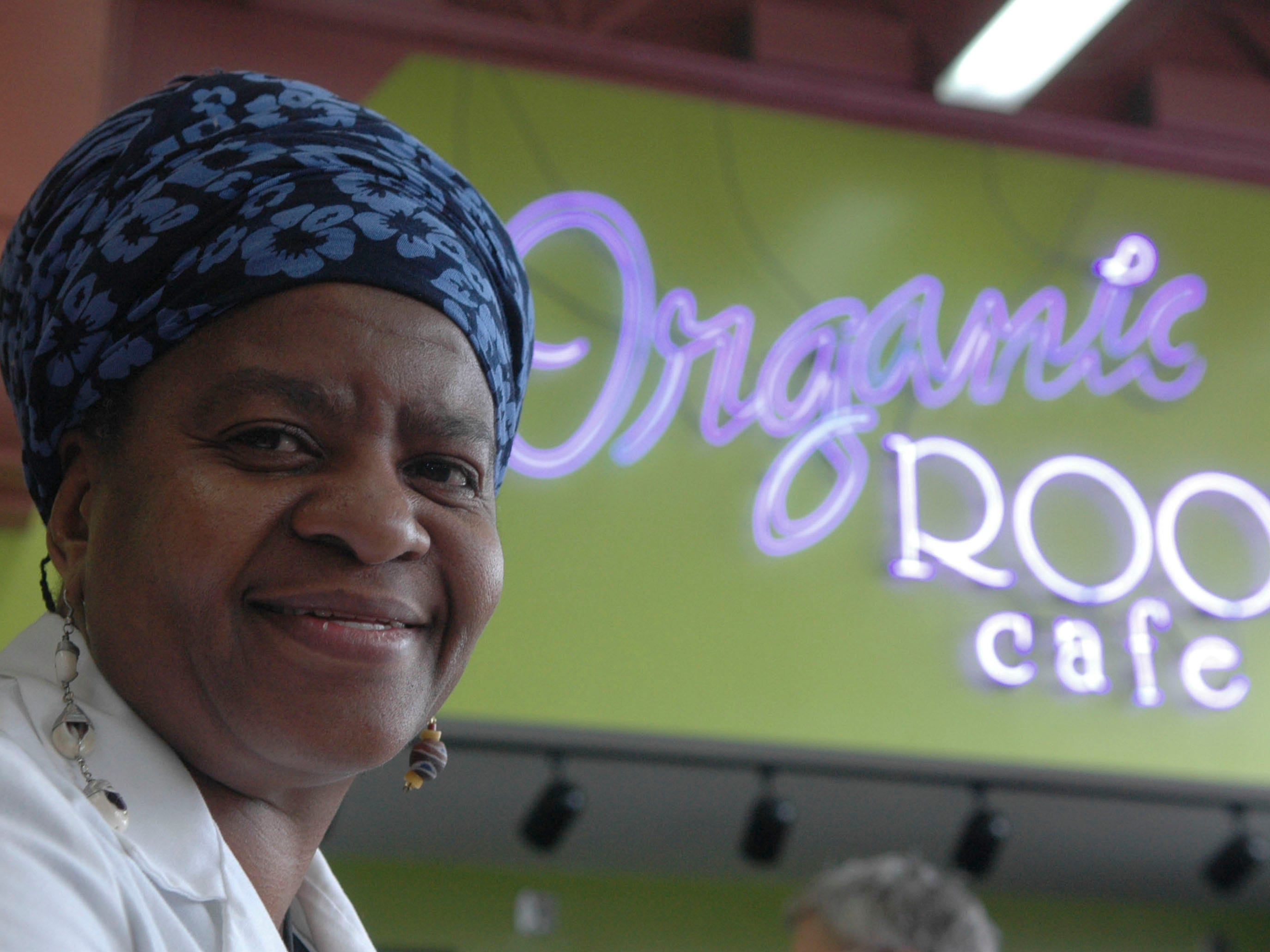 Yawah Awolowo, owner of Organic Roots Cafe inside Nature's Pantry in 2007.