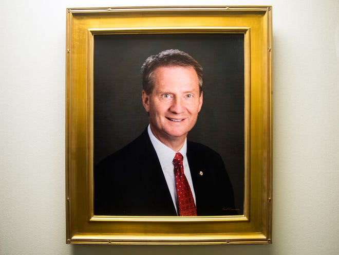 A portrait of former Knox County Mayor and current Congressman-elect Tim Burchett now hangs at the Knox County Mayor's Office.