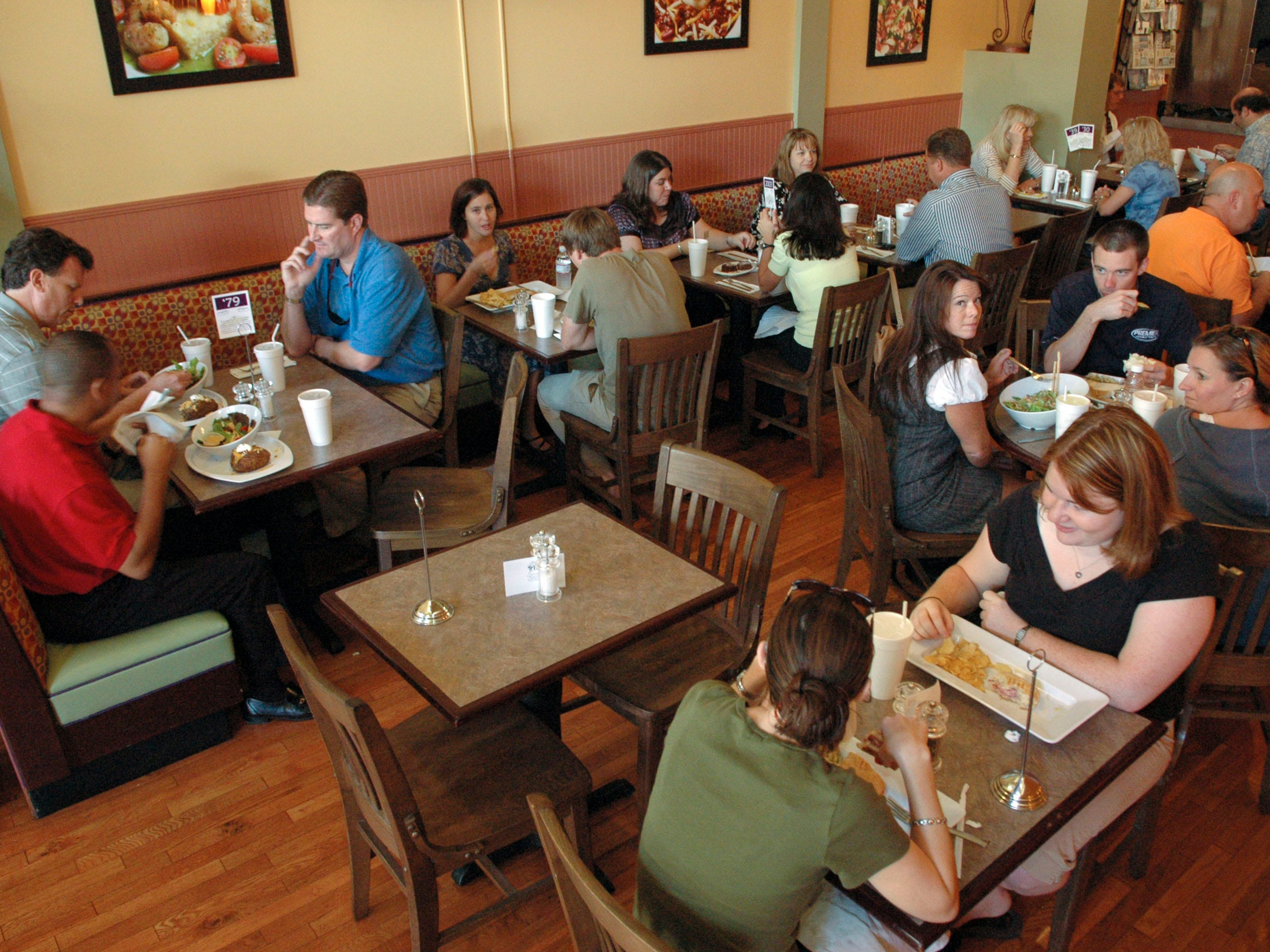The lunch crowd fills the Trio Cafe on Market Square Mall in 2007. Trio Cafe on Market Square Mall in downtown Knoxville won as best new restaurant in East Tennessee's Best reader's poll.